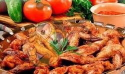Острые куриные крылышки в медовом соусе