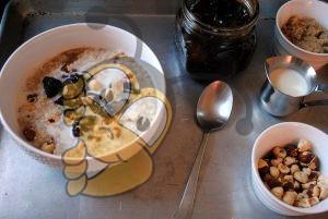 Геркулес с медом и черносливом