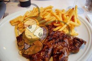Антрекот свиной с медом и грушевым соусом
