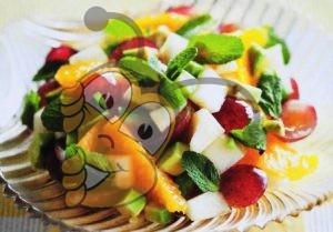 Салат из авокадо и орехов с медом