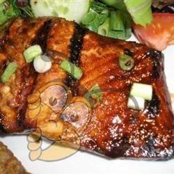 Медово-имбирный лосось на гриле