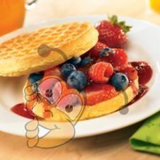 Медово-ягодный вафельный сэндвич