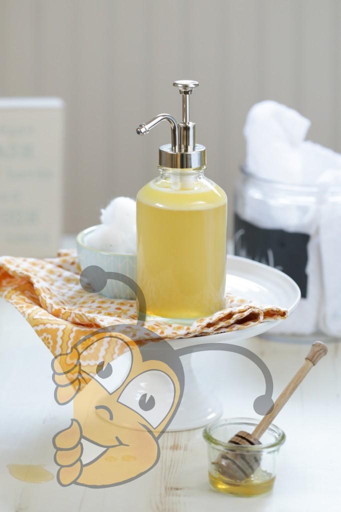 Нежное очищающее средство с медом