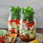 Салат с шпинатом в медово-горчичным соусом