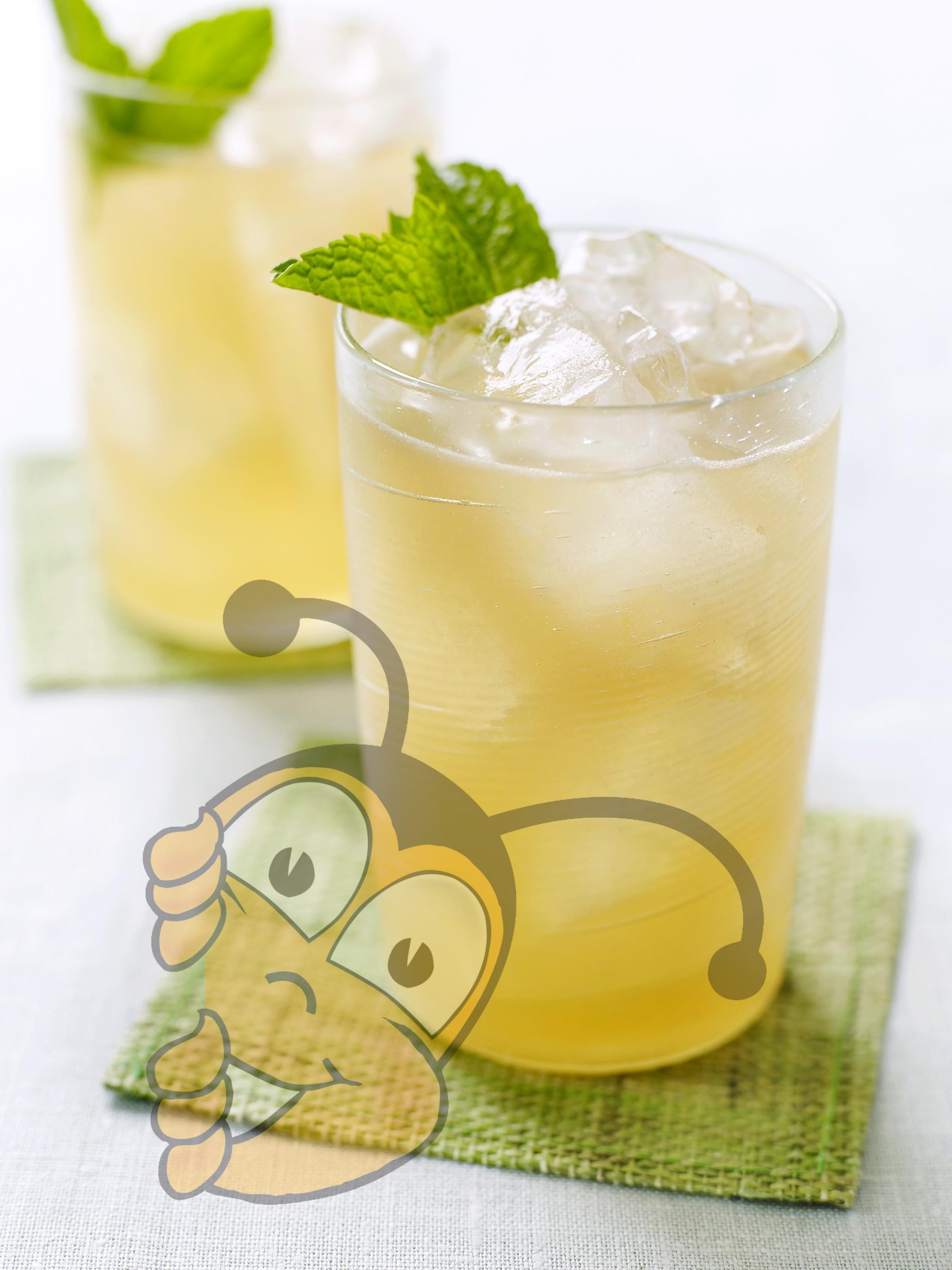 Лимонный напиток с люцерной