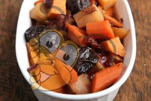 Цимес с фруктами и медом