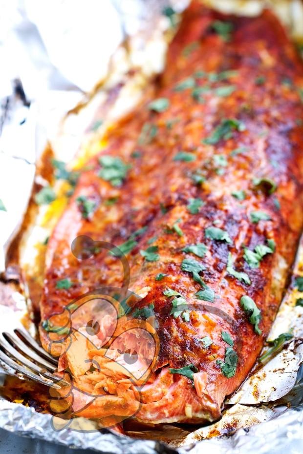 Жареный лосось с перцом Чили